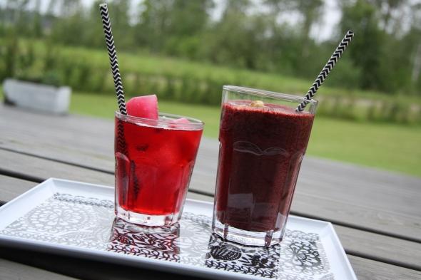 hibiscus ice tea and vegan smoothie