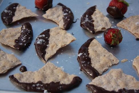 tumma suklaa merisuola spelttinäkkäri2